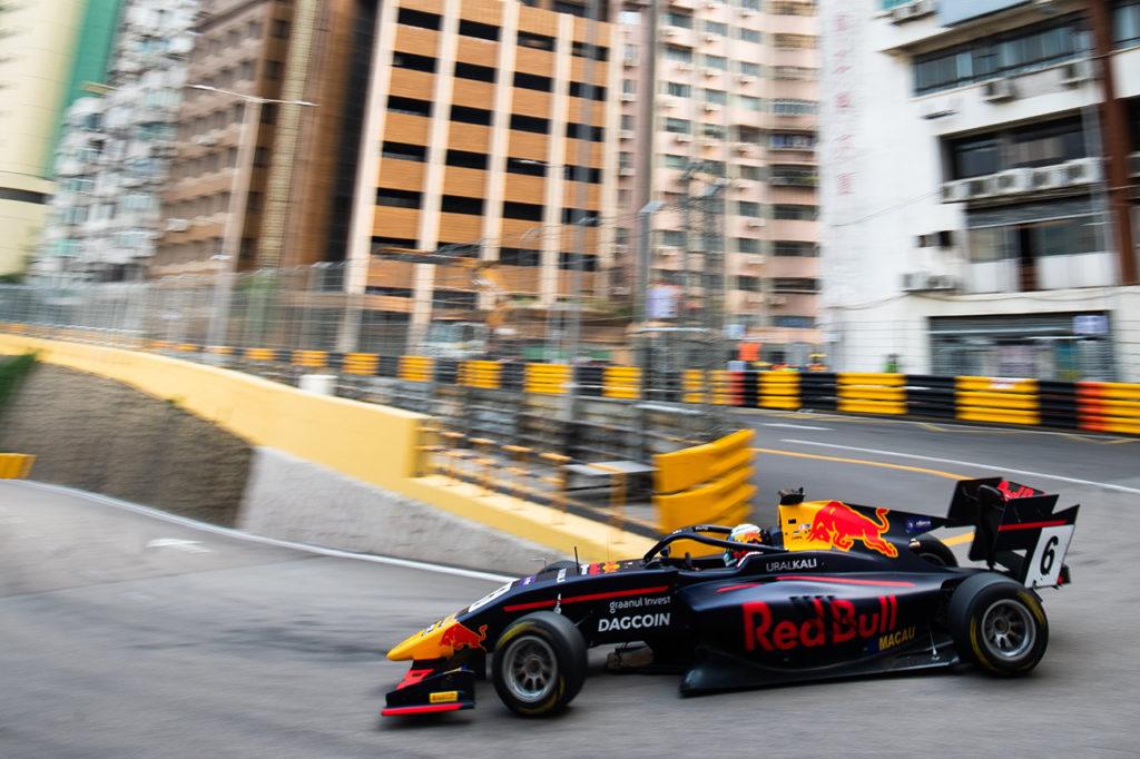 FIA F3 | Macao, Qualifiche 2: Vips sbalordisce tutti con Hitech GP