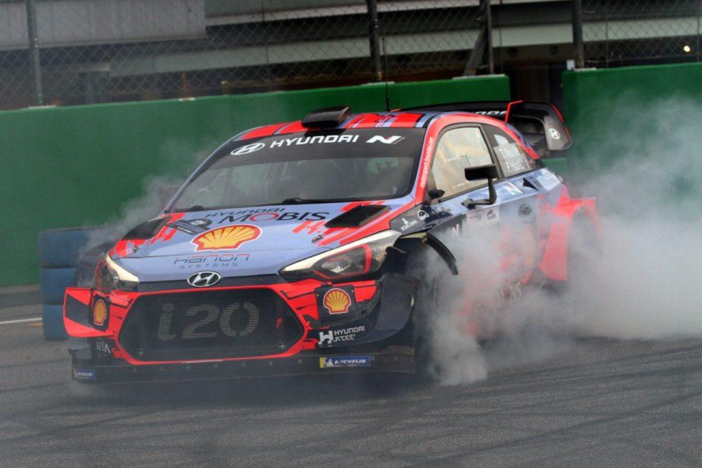 Monza Rally Show | Neuville e Sordo danno spettacolo sulle Hyundai i20 WRC [VIDEO]