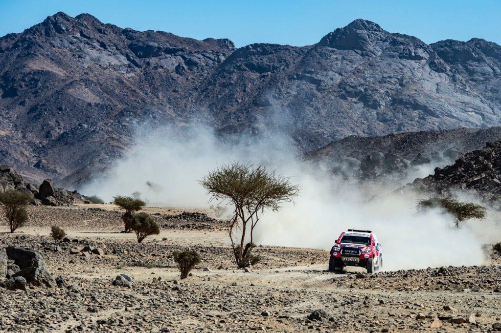 Dakar | Tappa 2, Auto: vittoria a De Villiers, generale a Terranova, crollo per Alonso
