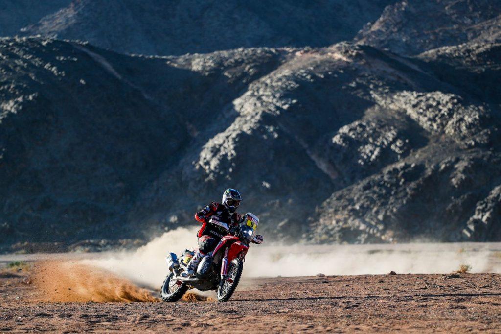 Dakar | Tappa 3, Moto: vince Brabec, ma un problema dei GPS fa riscrivere le classifiche [AGGIORNAMENTO]