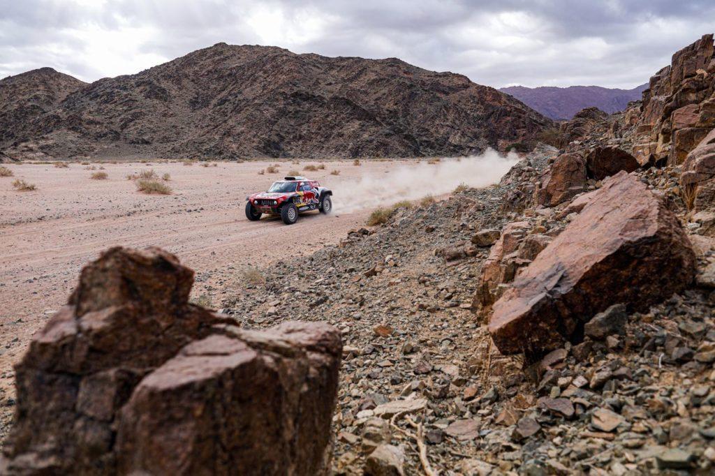 Dakar | Tappa 4, Auto: Stephane Peterhansel è tornato, altra giornata no per Alonso