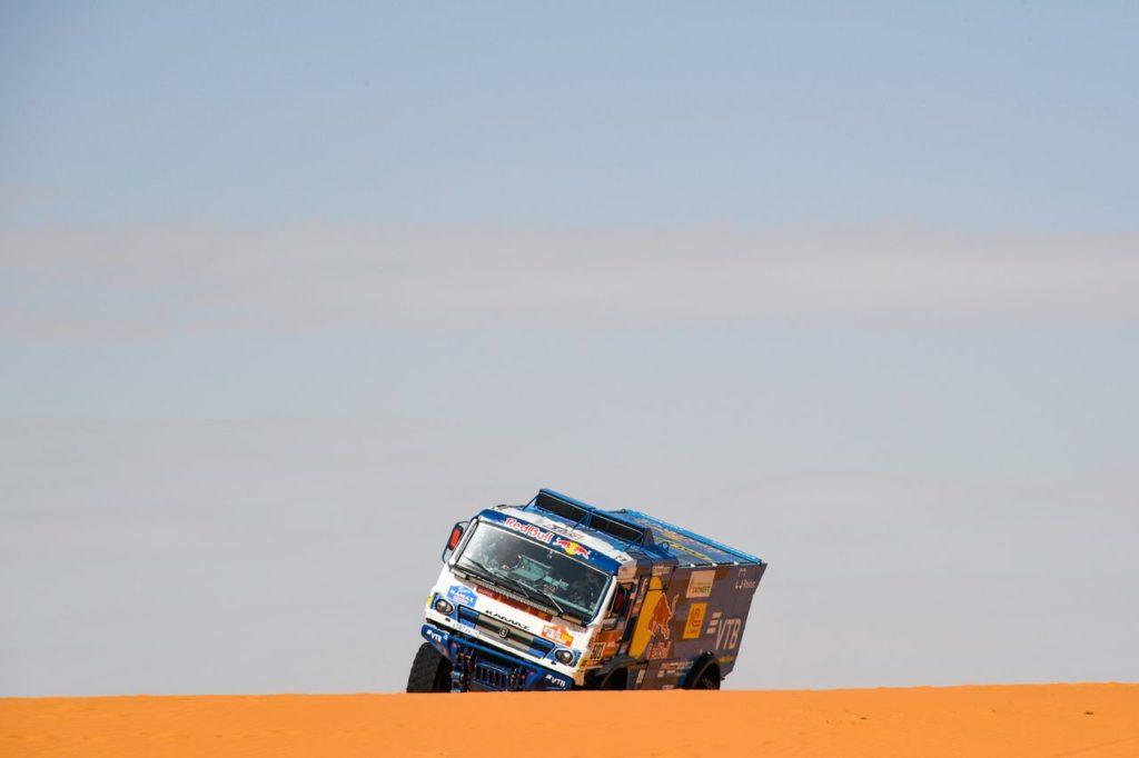 Dakar | Tappa 6: SSV, Quad e Camion tra cambi di leadership e ritiri a sorpresa