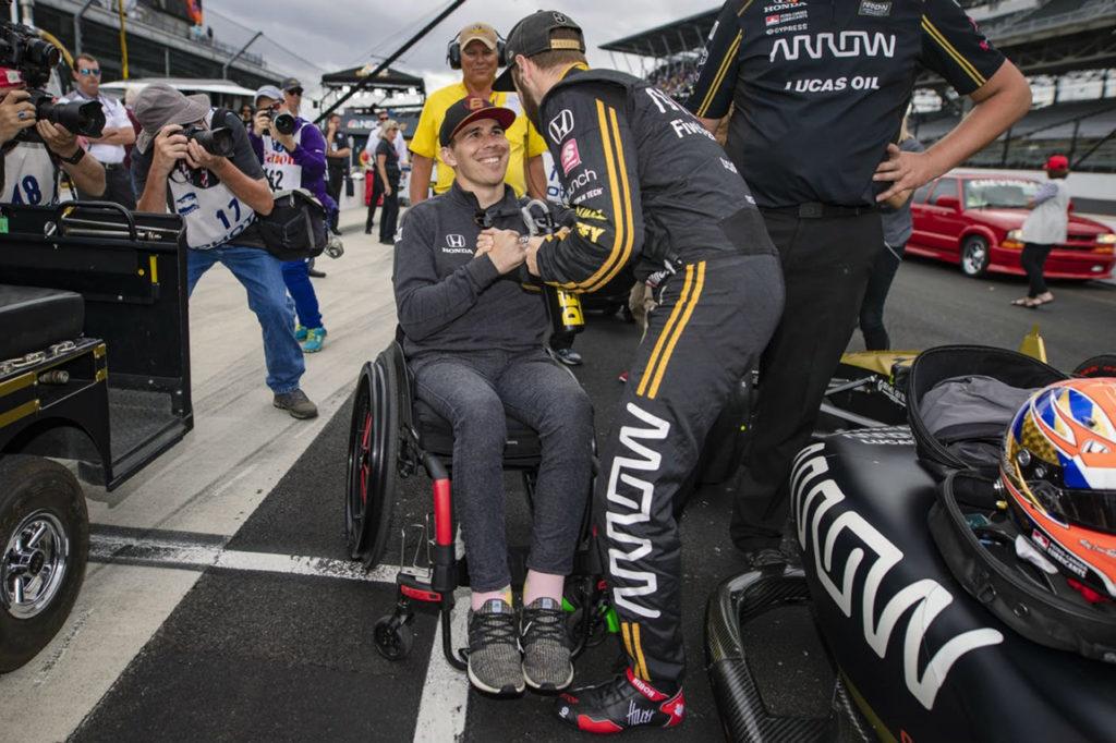 IndyCar | Continua il recupero di Wickens, in piedi senza aiuti [VIDEO]