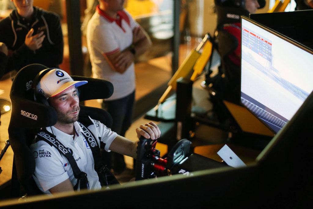 "BMW, Philipp Eng spiega il sim-racing: ""Mi tiene allenato mentalmente"""