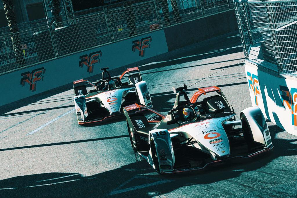 Formula E | Gara da dimenticare per Porsche a Hong Kong, trionfante tra i sim-driver