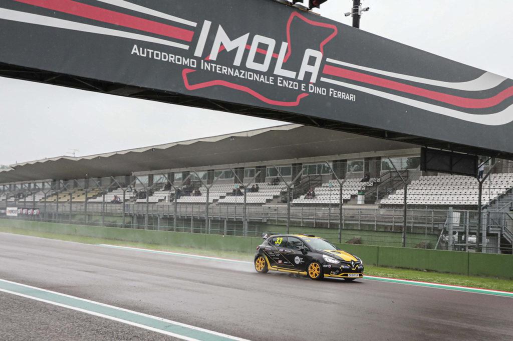 Clio Cup Italia | Cinque appuntamenti per il campionato eSport delle berline Renault