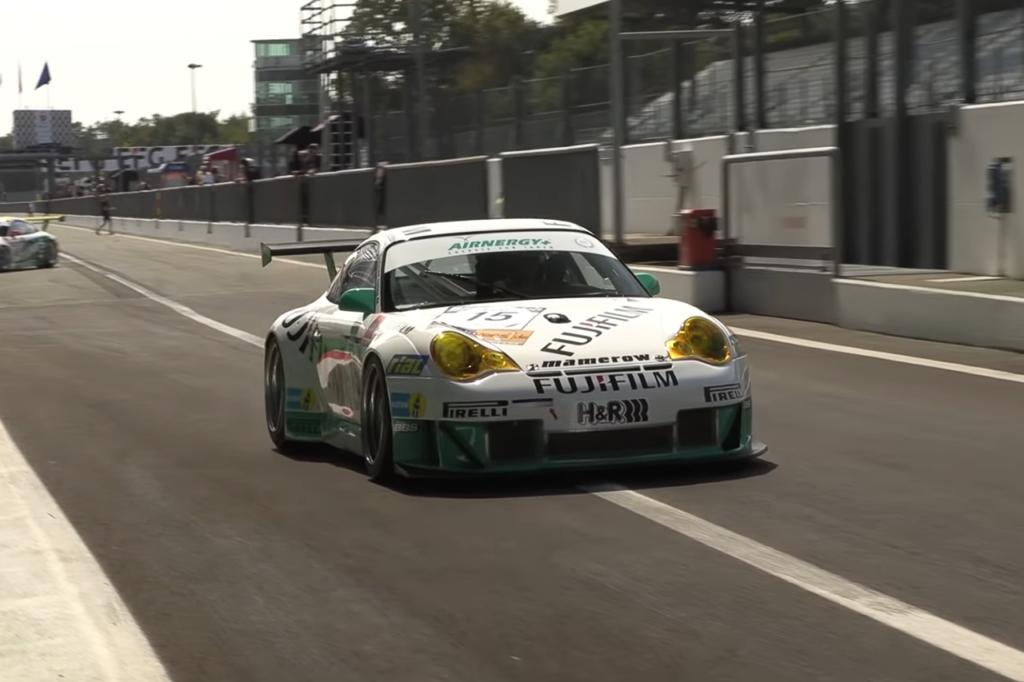 Porsche 996 GT3 RSR, una versione modificata in azione a Monza [VIDEO]
