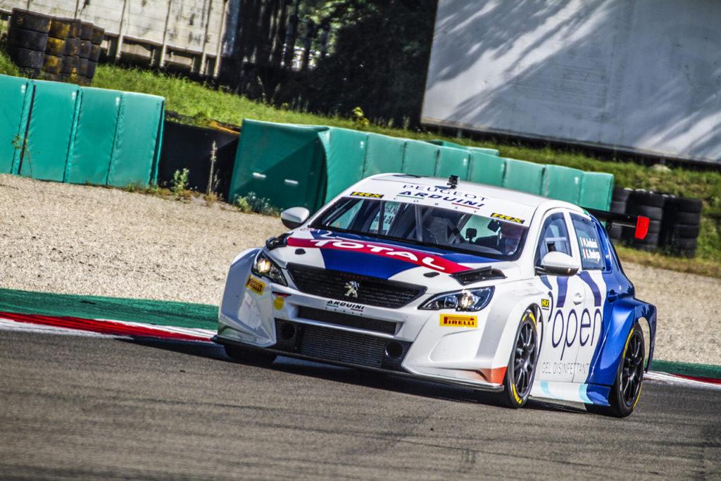 Massimo Arduini vince il primo appuntamento stagionale dell'ATCC con la Peugeot 308 TCR