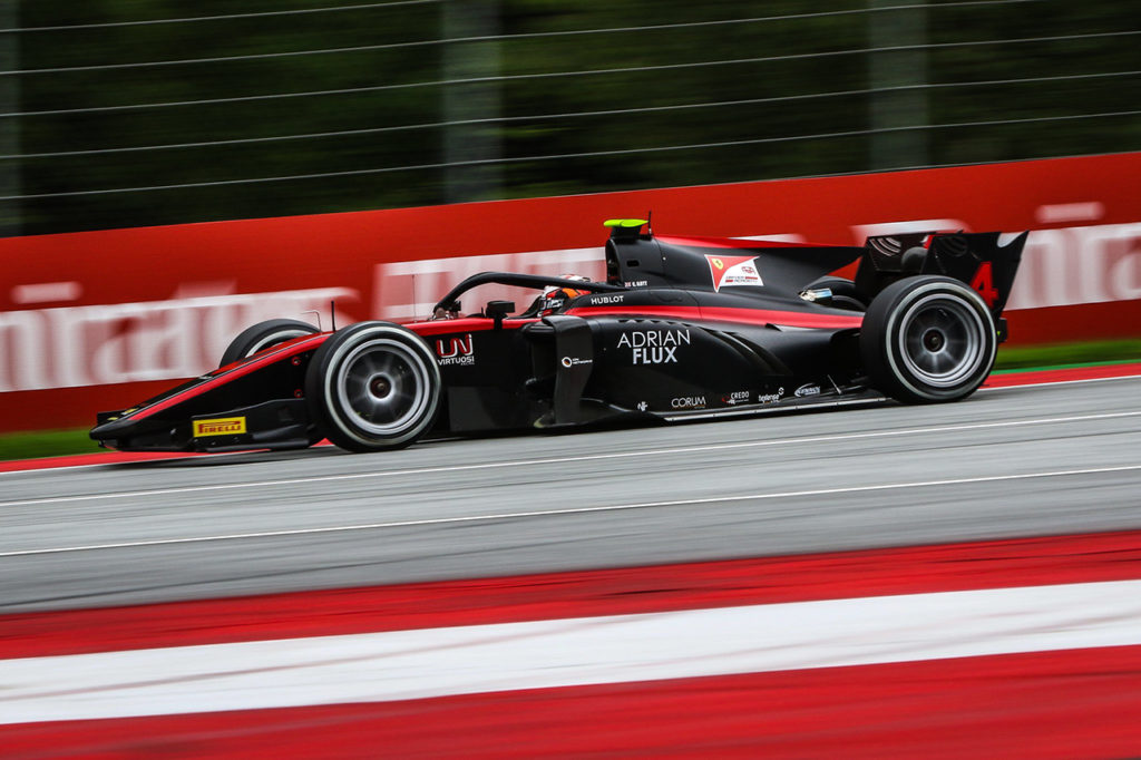 FIA F2 | Spielberg (1), Gara 1: Ilott apre la stagione con UNI-Virtuosi, sfortunato Zhou