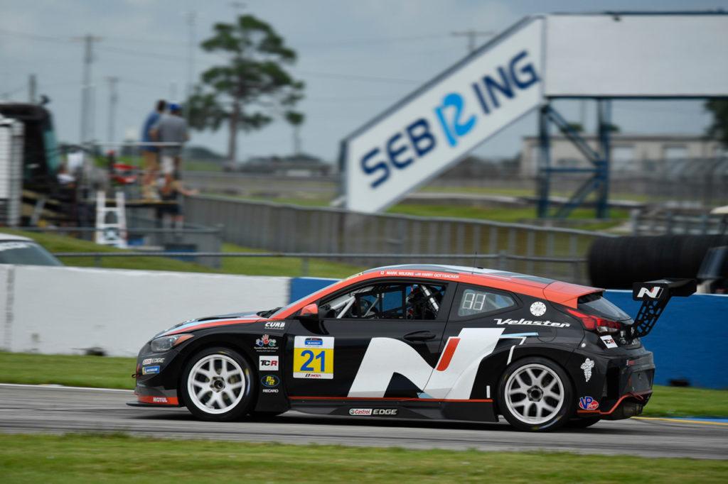 Michelin Pilot Challenge | Gottsacker e Wilkins vincono con Hyundai a Sebring