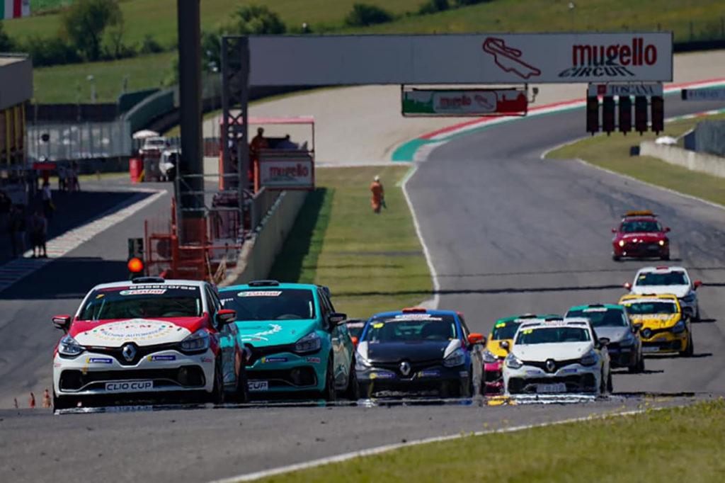 Clio Cup Italia | Mugello, Gara 1 e 2: ritorno da favola per Ricciarini con due vittorie