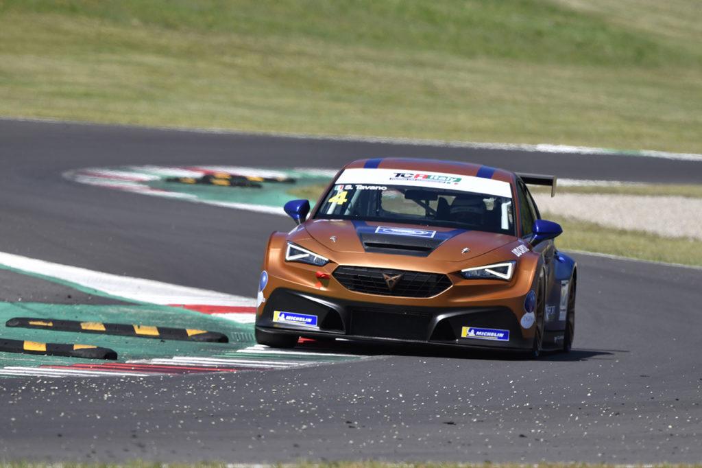 TCR Italy | Mugello, Gara 1: debutto vincente per la nuova Cupra con Tavano