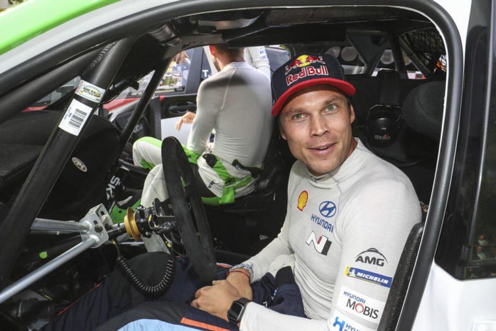 WRC | Andreas Mikkelsen ritrova il feeling perduto su asfalto con la Citroen C3 WRC