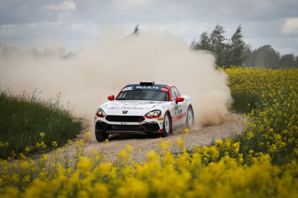 ERC | Rally Liepaja 2020, Gryazin primo nella Qualifying Stage, indietro Lukyanuk. Un pilota positivo al Covid