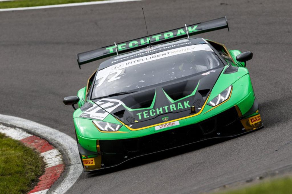 British GT | Doppietta in Gara 2 di Lamborghini nel primo round di Oulton Park