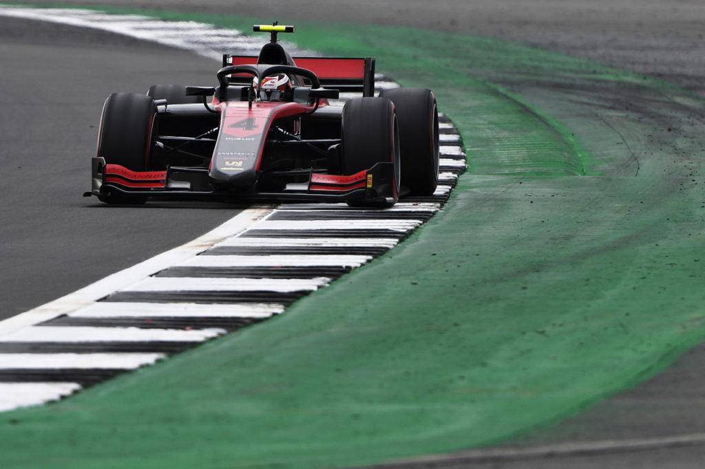 FIA F2 | Silverstone (2), Gara 1: Ilott torna a vincere con UNI-Virtuosi