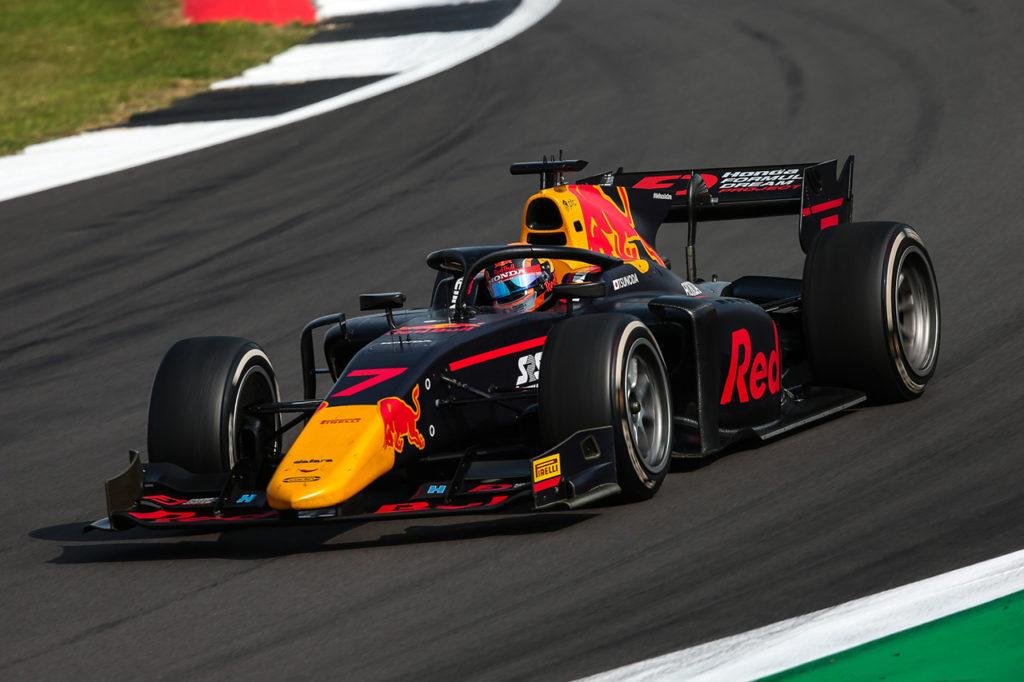 FIA F2 | Silverstone, Gara 2: pasticcio Shwartzman-Schumacher, vittoria a Tsunoda