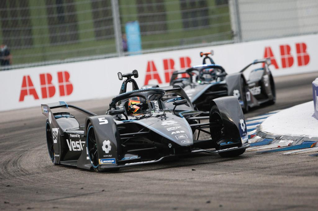 Formula E | Mercedes chiude la stagione d'esordio con un'incredibile doppietta