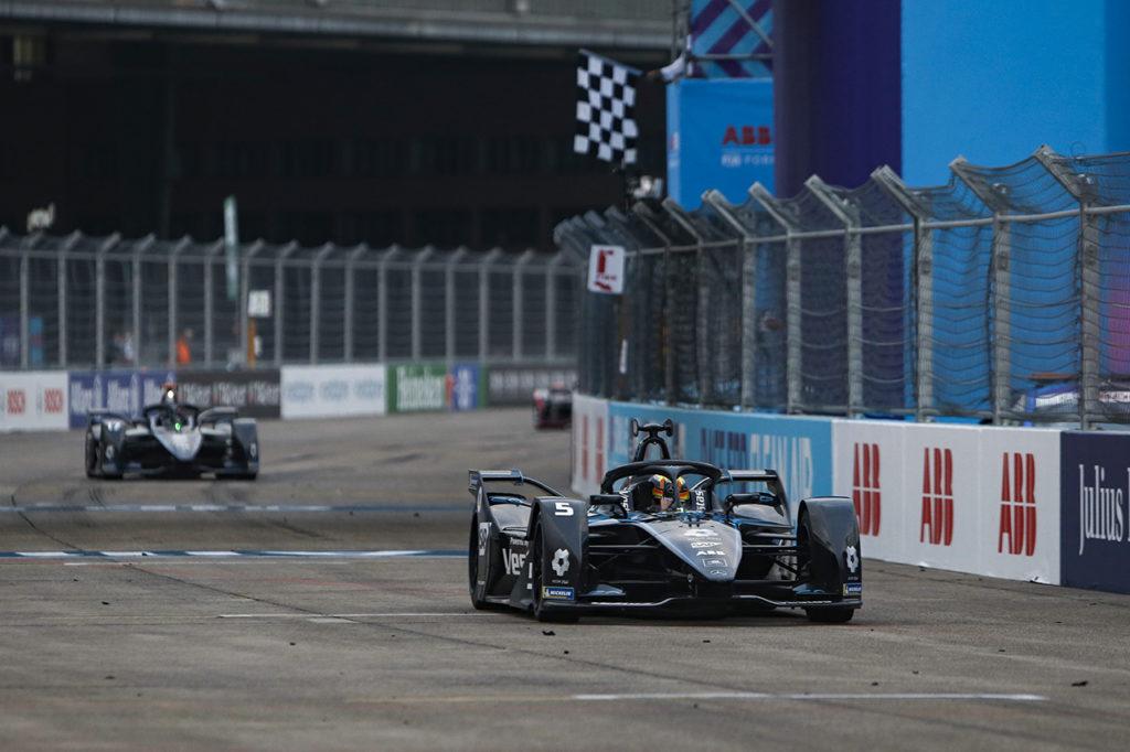 Formula E | Berlino ePrix III, Gara 2: centro perfetto di Vandoorne, doppietta Mercedes