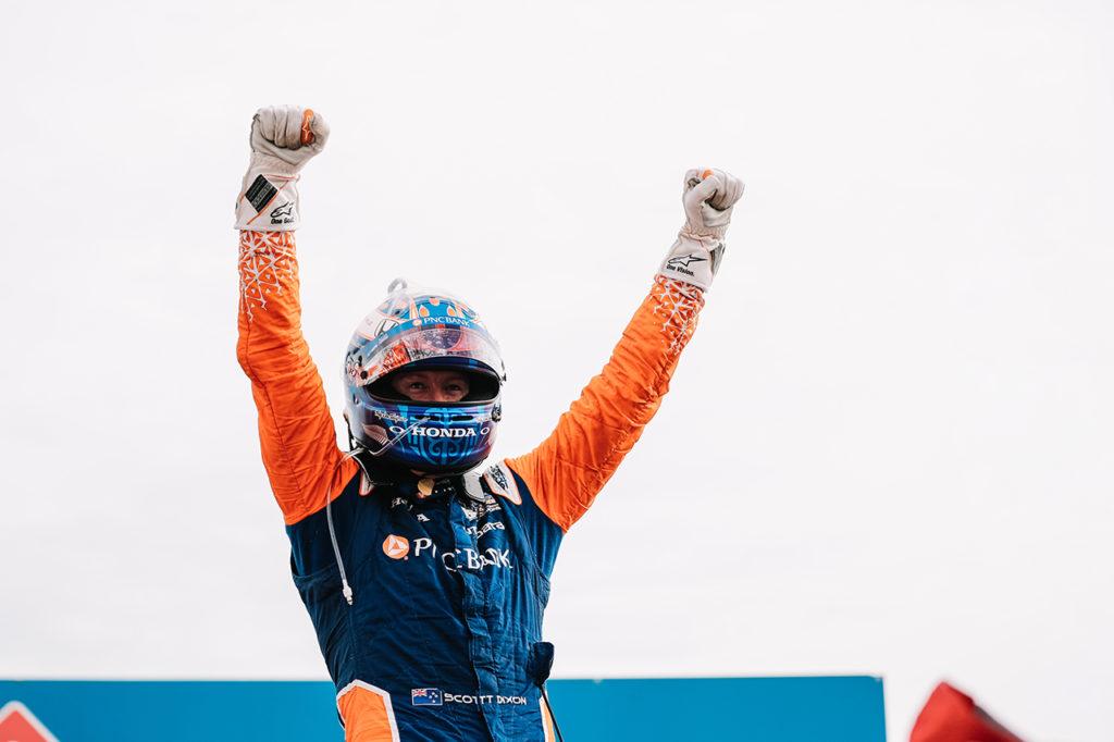 IndyCar | Gateway, Gara 1: Dixon controlla Sato, quarto successo dell'anno per il pilota di Ganassi