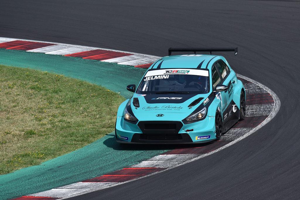 TCR Italy | Misano, Gara 1: squalificato Jelmini, vittoria a Brigliadori [AGGIORNAMENTO]