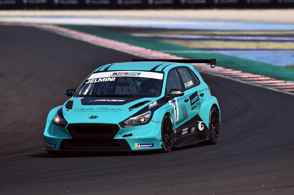 TCR Italy | Misano, Qualifiche: Jelmini velocissimo, firma la pole position con Hyundai
