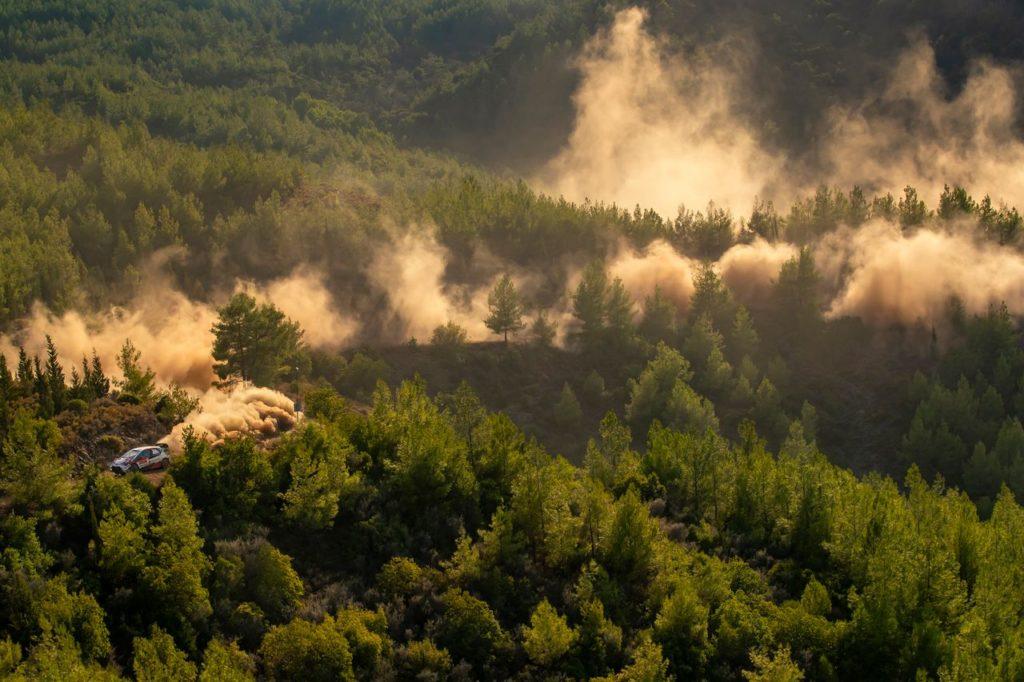 WRC | Rally di Turchia 2020, PS2: miglior tempo per Ogier, ma Loeb chiude la giornata da leader