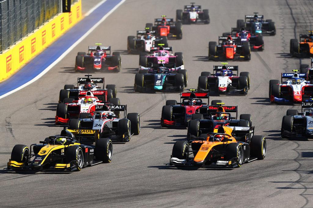 FIA F2 | Sochi, Gara 2: incidente senza conseguenze per Ghiotto e Aitken, corsa cancellata