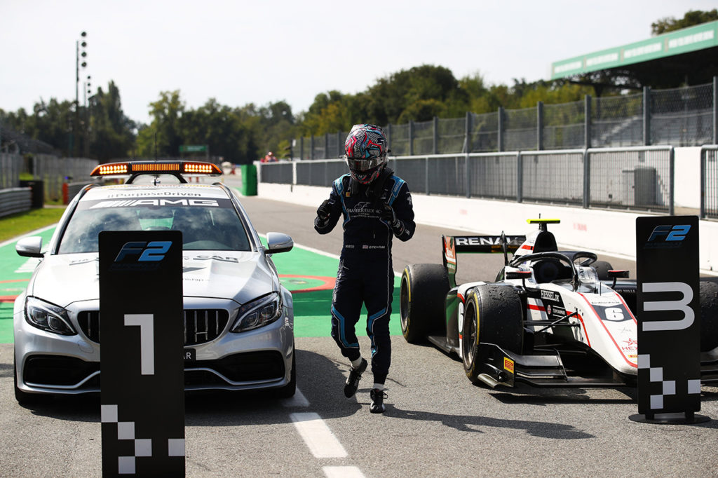 FIA F2 | Monza, Gara 2: facile dominio per Ticktum, Ilott riprende la leadership [AGGIORNAMENTO]