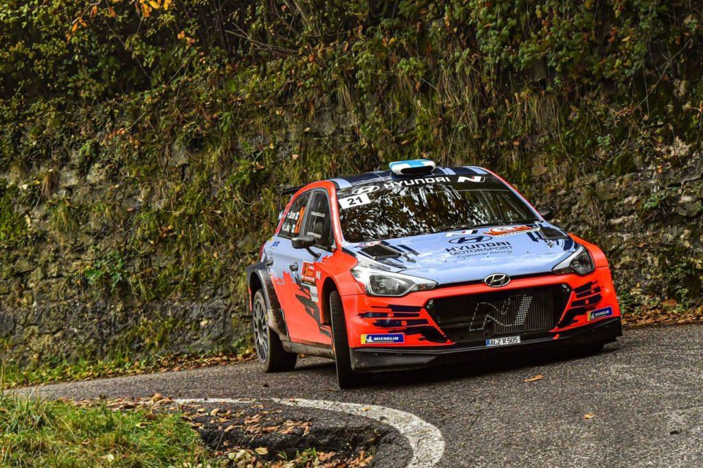 CIR – CIWRC | Rally Due Valli 2020, Huttunen vince una gara durissima. Ritiri per Crugnola e Basso, Fontana e Arena campioni CIWRC 2020