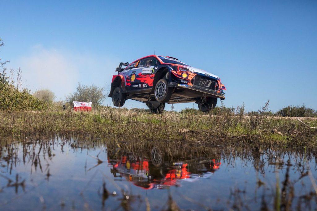 WRC | Rally Italia Sardegna 2020, prima mattinata: Sordo e Suninen si contendono la vetta, crisi per Tanak