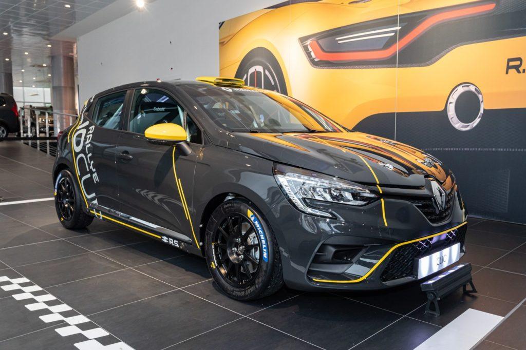 ERC | Renault debutta nel campionato con la nuova Clio Rally5, schierata da Toksport. A bordo anche Rachele Somaschini
