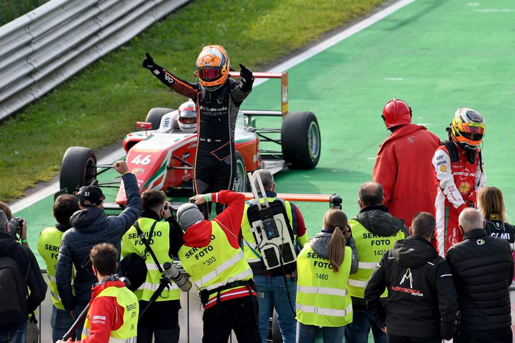 F4 Italia | Monza, Gara 2: altra brillante vittoria di Pizzi con Van Amersfoort Racing