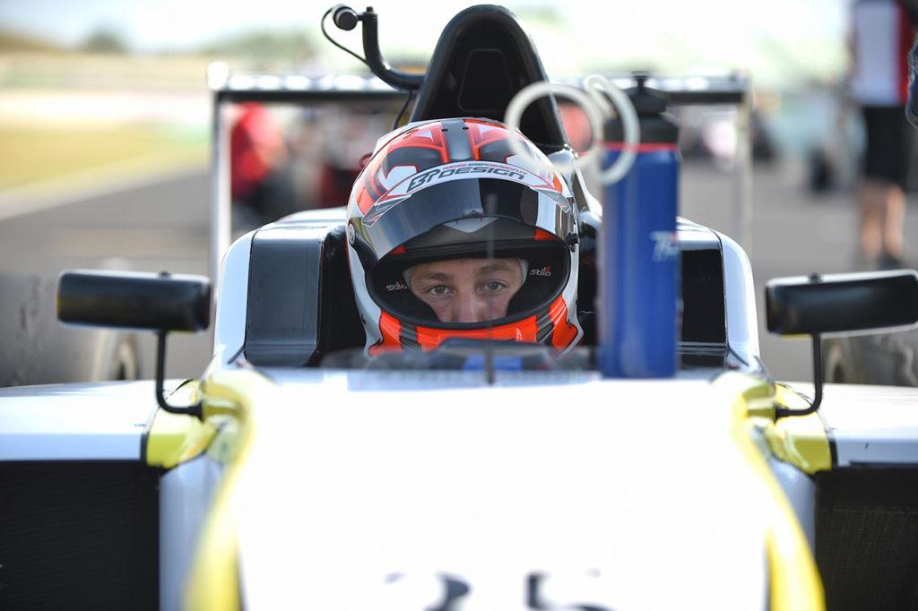 F4 Italia | Monza, Gara 3: eroica prima vittoria per Delli Guanti con BVM