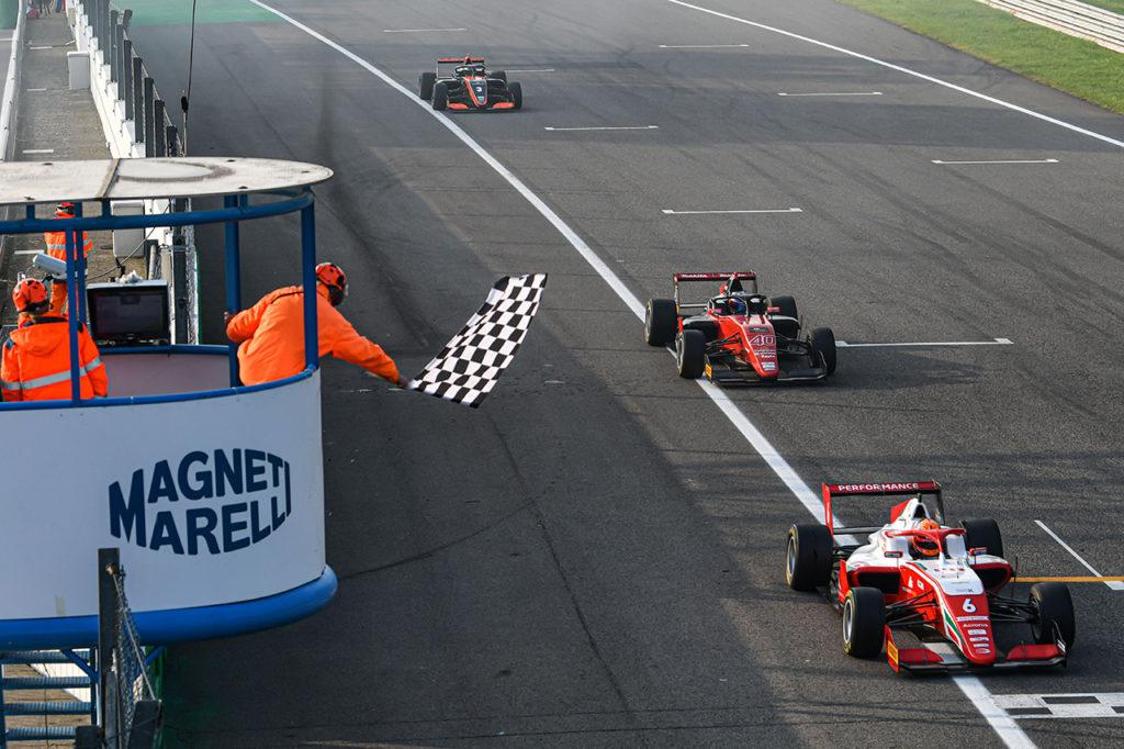 Formula Regional | Monza, Gara 2: Pasma penalizzato, vittoria a Rasmussen. KO per Leclerc