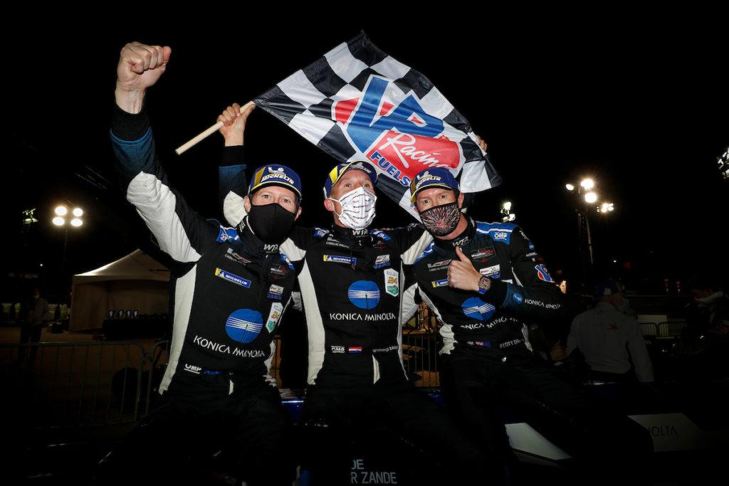 IMSA | Petit Le Mans, Gara: van der Zande spedisce fuori Derani e vince per WTR con Briscoe e Dixon