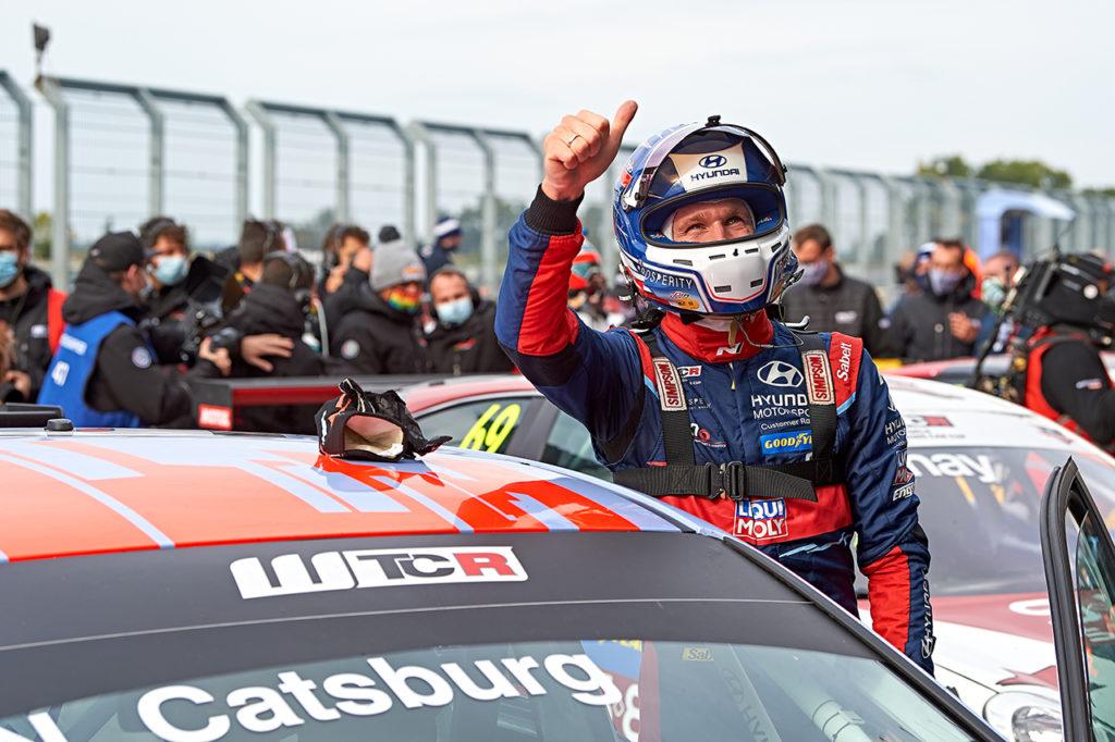 FIA WTCR   Slovakia Ring, Gara 3: Catsburg regala la prima vittoria stagionale a Hyundai [AGGIORNAMENTO]