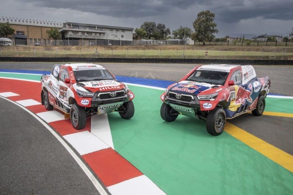 Dakar | Toyota Gazoo Racing in gara nel 2021 con quattro Hilux: presentata la vettura e gli equipaggi