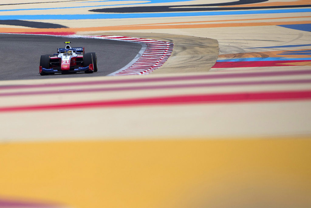 FIA F2   Sakhir, Gara 2: Shwartzman domina con Prema. Schumacher 7° ma Ilott spreca