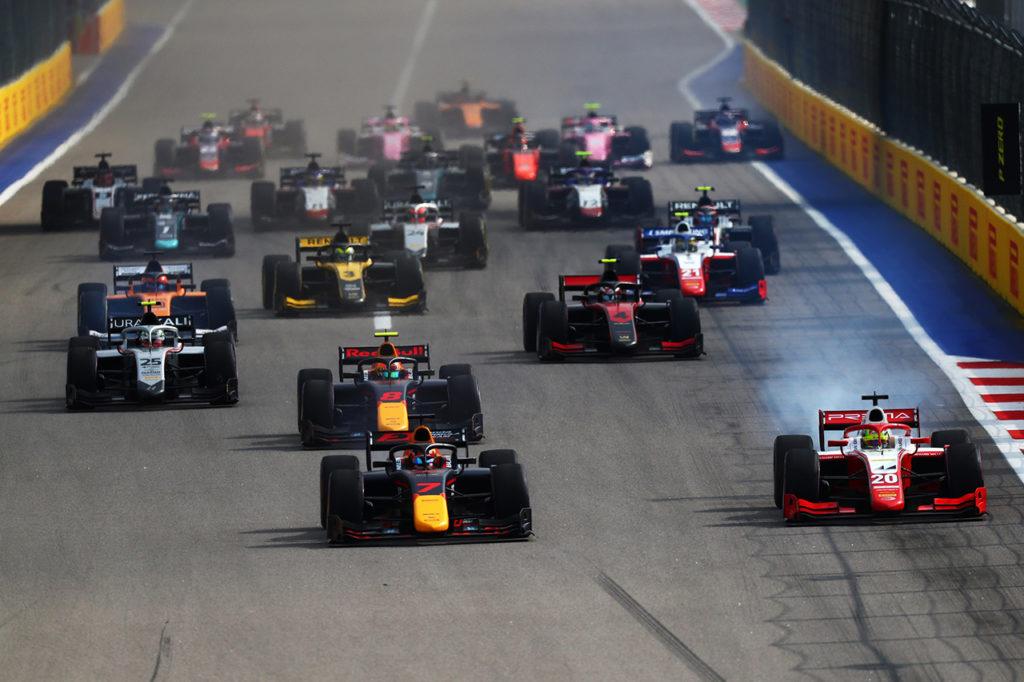 Formula 2 e Formula 3 riducono i costi: meno appuntamenti, tre gare a weekend nel 2021