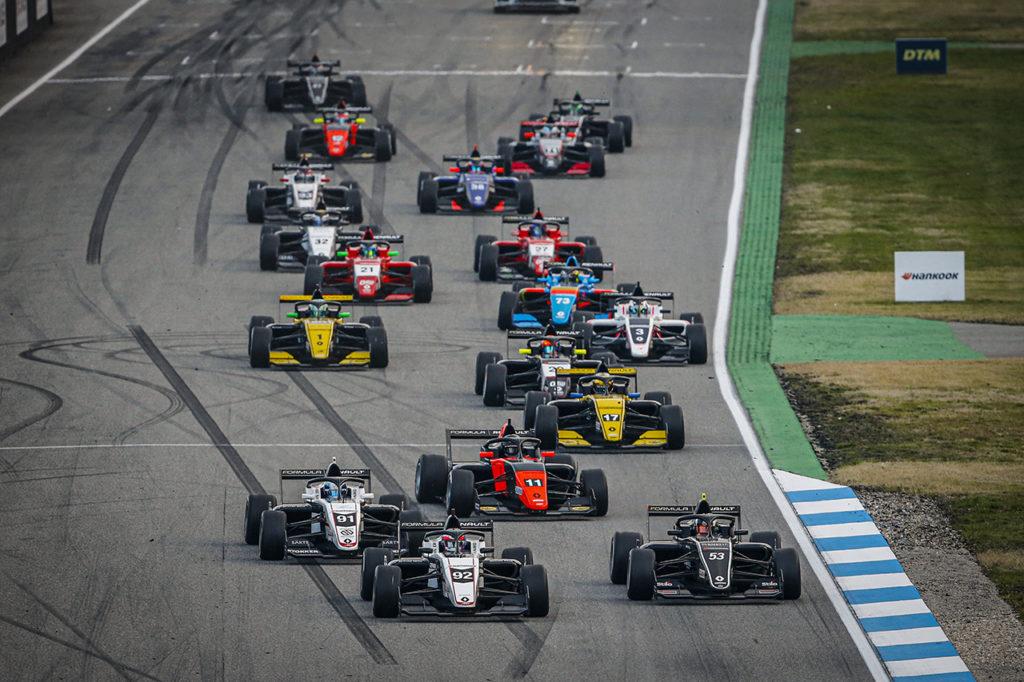Formula Renault Eurocup | Colombo trionfa in Gara 2 a Hockenheim, Martins allunga in vetta