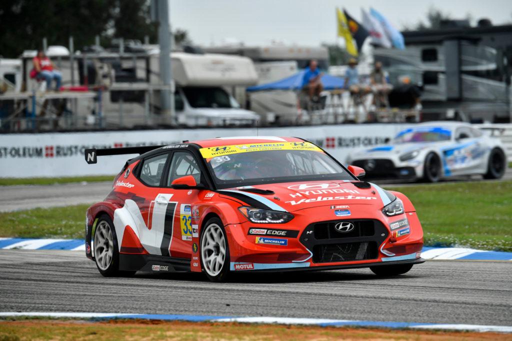 Michelin Pilot Challenge | Norman e Chaves vincono il titolo con la Hyundai nel finale di Sebring
