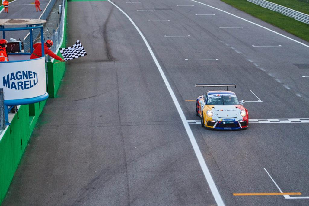 Porsche Carrera Cup Italia | Monza, Gara 1: vittoria di Fumanelli, ancora aperta la lotta al titolo