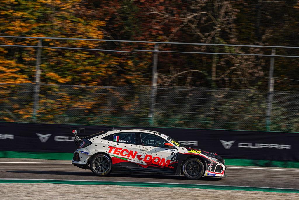 TCR Italy | Monza, Gara 2: doppietta di Giacon, Brigliadori precede Tavano sul podio