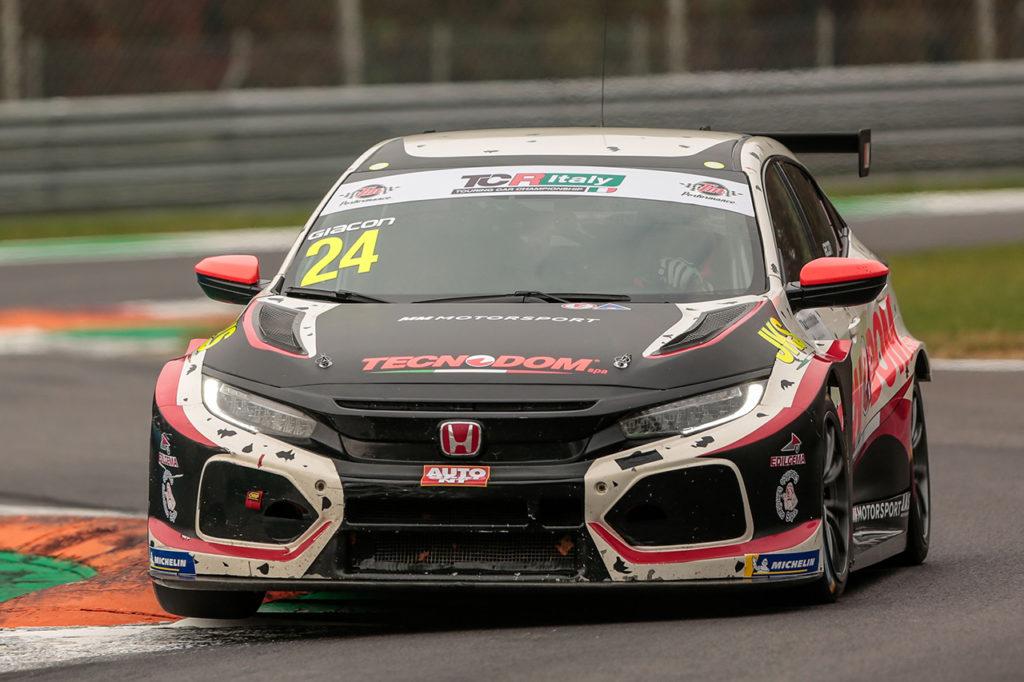 TCR Italy | Monza, Gara 1: Giacon ritorna e vince, Jelmini e Tavano sul podio