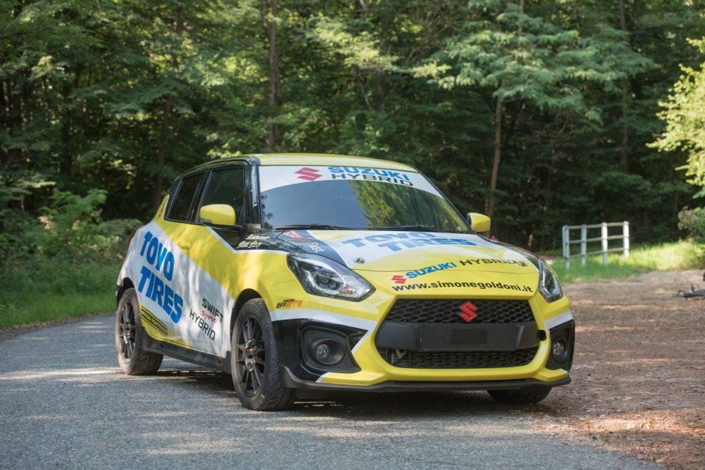 Suzuki Swift Sport Hybrid R1 pronta per i campionati italiani rally 2021. I prezzi delle varie configurazioni