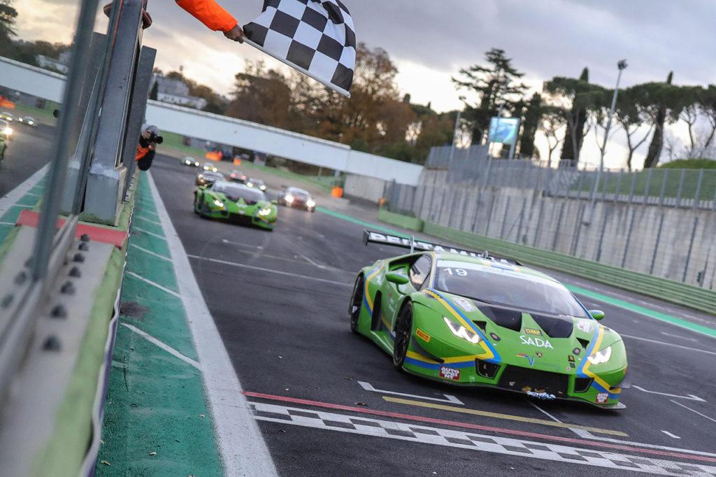 CIGT | Lamborghini domina l'ultimo round di Vallelunga e conquista il titolo Sprint