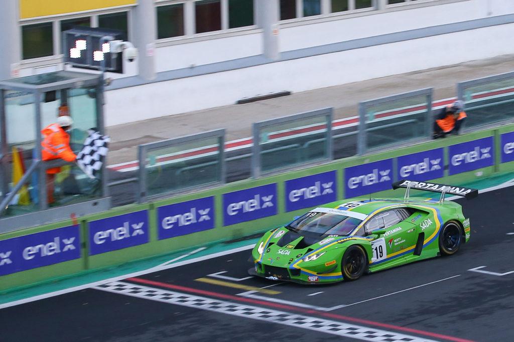 CIGT | Vallelunga, Gara 1: Nemoto-Tujula vincono e balzano al comando con Lamborghini