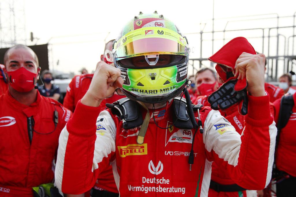FIA F2 | Sakhir (2), Gara 2: vittoria di Daruvala, Schumacher conquista il titolo