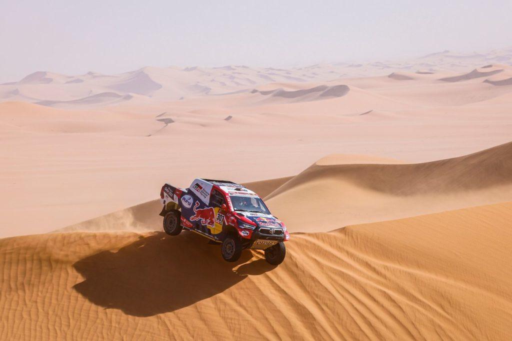 Dakar | Tappa 3 Auto: altra affermazione per Al Attiyah, ma Peterhansel resta leader. Sainz si perde